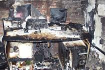 Z požáru domu v Třebechovicích.