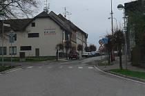 Hořická Žižkova ulice před rekonstrukcí.