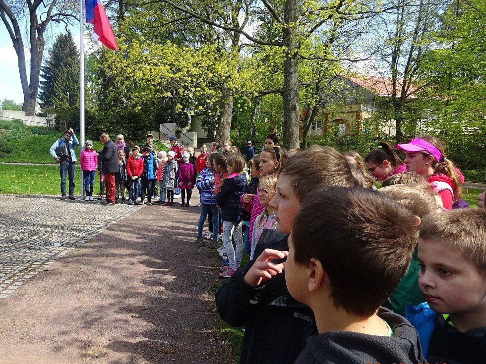 Pietní akce v Jírových sadech v Nové Pace k výročí konce druhé světové války.