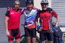 Ivan Pírko s náhodnými španělskými cyklisty.