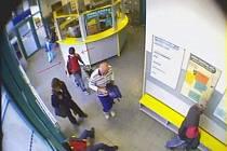 Záběr z bezpečnostních kamer.