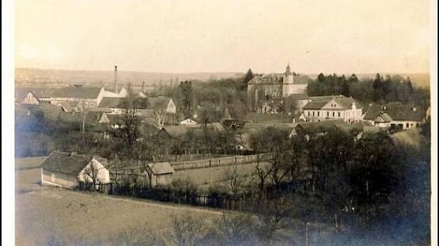 Poznáte obec na historickém snímku?