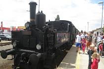 Historická lokomotiva na hořickém nádraží.