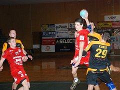 DOMINIK ČURDA odehrál v sobotu velmi dobrý zápas. Nyní ho ještě čekají povinnosti v juniorské reprezentaci.
