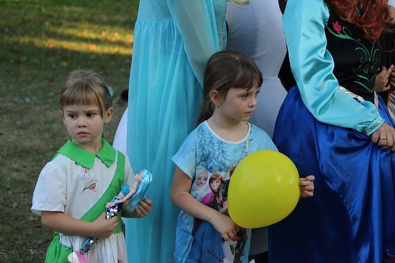 Do Pohádkového parku, který pořádají Kopidlenské Žížalky, přijeli lidé ze širokého okolí.