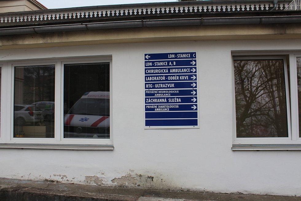 V laboratořích Levitova centra následné péče v Hořicích zahájili očkování antigenními testy na covid 19. Očkování je možné jen po rezervaci termínu.