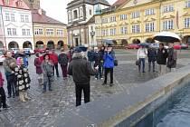 Vzpomínka na Václava Havla u kašny v Jičíně.