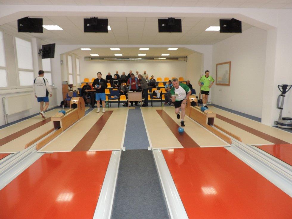 Krajské mistrovství kuželkářů seniorů v Trutnově.