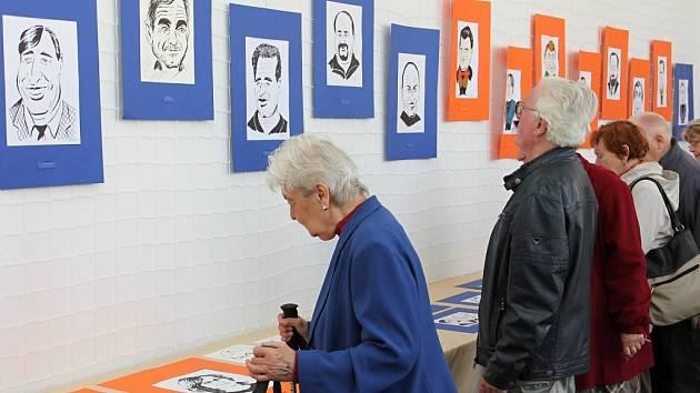 Bělohradská výstava karikatur Radima Karla.