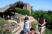 Z hradu Kumburk.