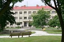 Budova soukromého gymnázia v Hořicích.