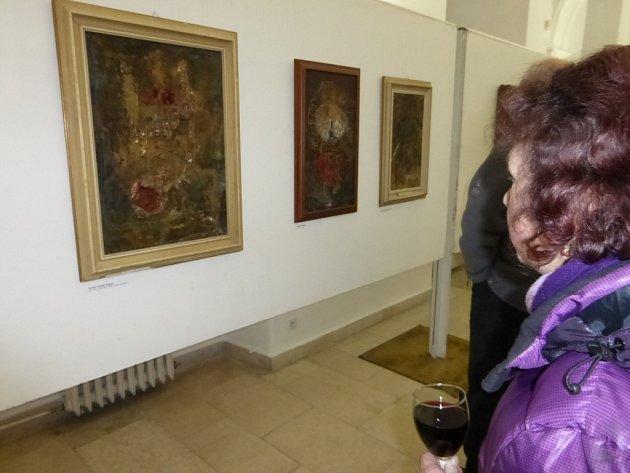 Z vernisáže výstavy obrazů Josefa Honyse v Jičíně.