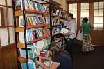 V Knihovně V. Čtvrtka v Jičíně se v sobotu po celý den konal knihovnický jarmark. Nabídka programu pestrá, zájem veřejnosti veliký.