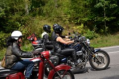 Loučení s létem po motorkářsku v Lužanech.