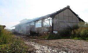 Úmyslně založený požár skladu na Jičínsku