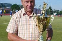 Pavel Šubr s pohárem.