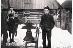 Sejmutí původního zvonu 19. března 1942.