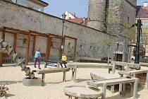 Dětské hřiště v ulici Pod Koštofránkem je ukázkové a pravděpodobně vůbec nejznámější.