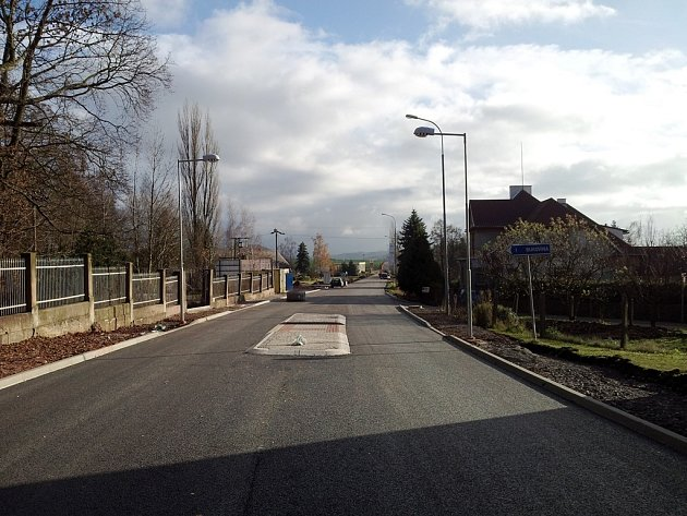 Nová silnice ve Studenci.
