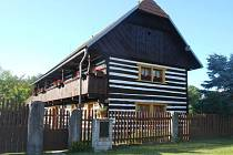 Vesec 15 - dům s pavlačí.