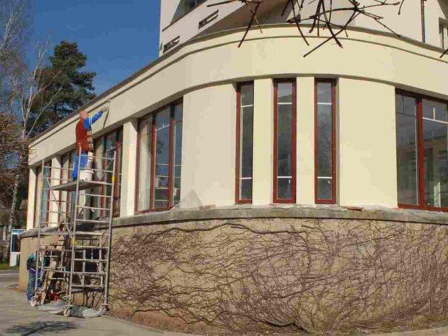 Přístavba bělohradského lázeňského hotelu.