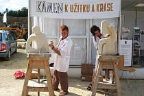 Zadání sedící postavy zpracovávala dvojice hořických studentů Lukáš Řezníček a Petra Kučerová.