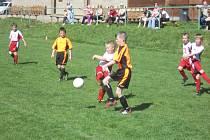Boje nejmladších fotbalistů lákají hlavně rodiče.
