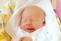 Dětský smíche zazní v domácnosti Romany Novotné a Štěpána Zmátlíka z Vysokého Veselí. Prvorozený Matěj se kromě příjmení po tatínkovi může chlubit i váhou 3400 g a mírou 49 cm. Zvídavým očkem na svět poprvé mrkl 24. července.