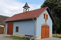 Hasičská zbrojnice v Bílsku, za kterou obec obdržela v soutěži Vesnice roku Zlatou cihlu.