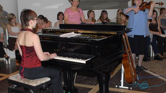 V jičínském Porotním sále se uskutečnil koncert.