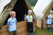 Desítky táborů probíhají ve všech koutech našeho kraje, nechybí ani ty skautské (na snímku tábor na Kousecké louce).