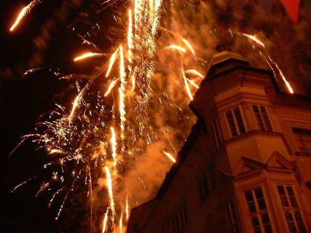 Ohňostroj v závěru festivalu Jičín - město pohádky.