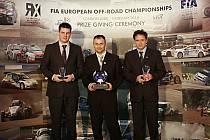 Vyhlášení nejlepších autokrosařů a rallykrosařů proběhlo v Hotelu Hilton v Londýně, vpravo Václav Fejfar.