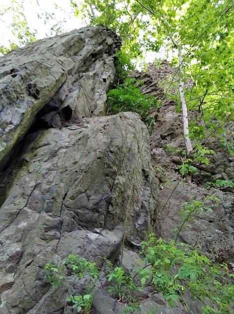 Silný déšť včervnu uvolnil asi tři tuny kamene.