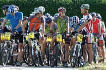 NA START poslední etapy se postavilo čtyřicet cyklistů z Jičína a okolí.