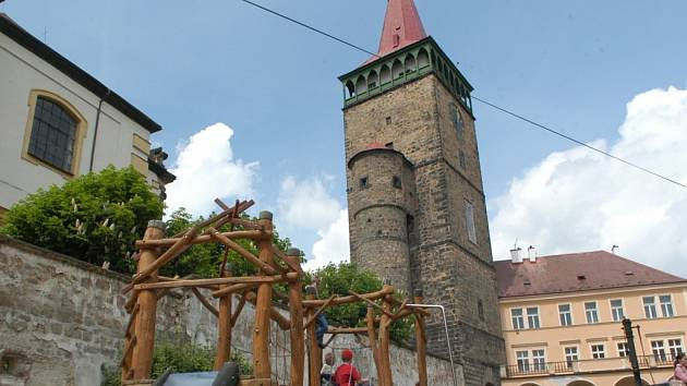 Valdická brána v centru Jičína.