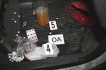 Policisté zasahovali proti výrobcům drog.