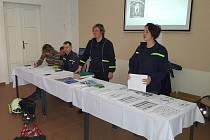 Ustavující schůze mladých kopidlenských hasičů.