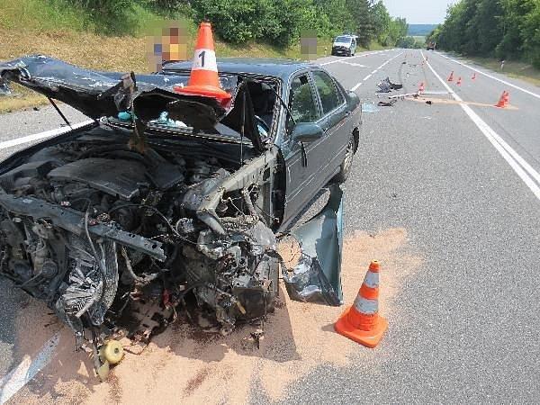 Střet kamionu s osobním vozidlem skončil zraněním.