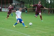 SNÍMEK z utkání druhého kola 1. B třídy mezi domácí FC VTJ  Milíčeves a hosty z SK Hošek Robousy (2:0). Milíčeves přišla porážkou ve třetím kole s Nepolisy o vedení v tabulce.