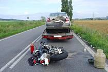 Z nehody motorkáře u Ostroměře.