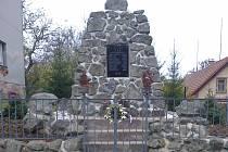 Pomník v Brdě na památku padlých.