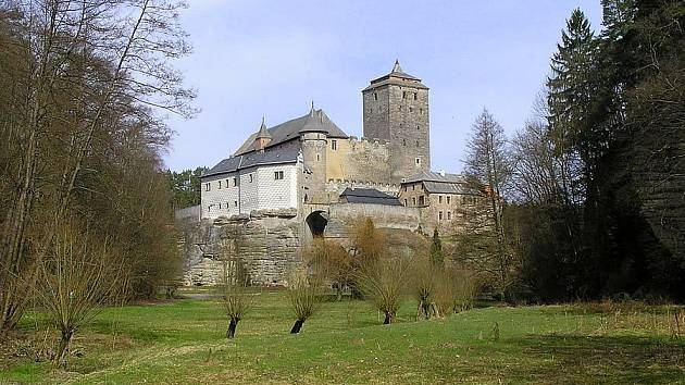 Romantických míst je v Českém ráji hodně. Jedním z nich je údolí Plakánek, v sousedství hradu Kost, chráněná přírodní rezervace od r. 1990.
