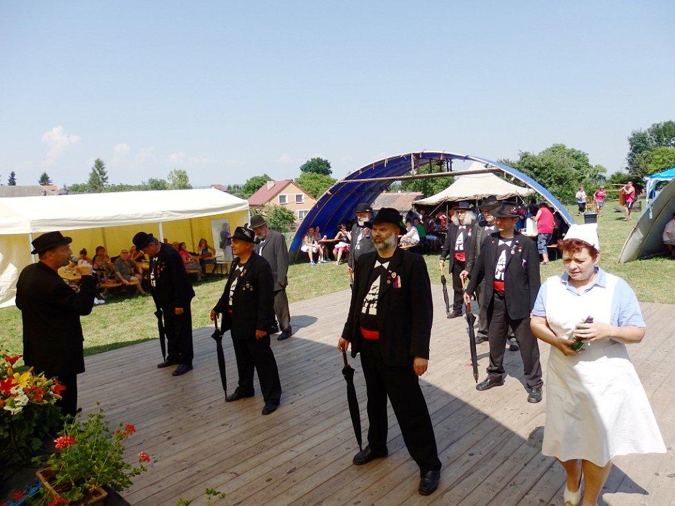 Sraz rodáků v Nemyčevsi.