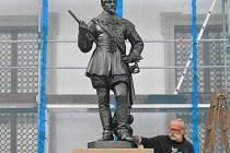 Valdštejn v Jičíně zatím nestojí. Takto by ale socha mohla vypadat. Jak se vám zamlouvá?