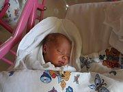 Šarlota Morávková se narodila 15. března s mírou 46 cm a váhou 2,77 kg rodičům Ivaně a Petru Morávkovým. Všichni tři budou žít v Novém Bydžově.
