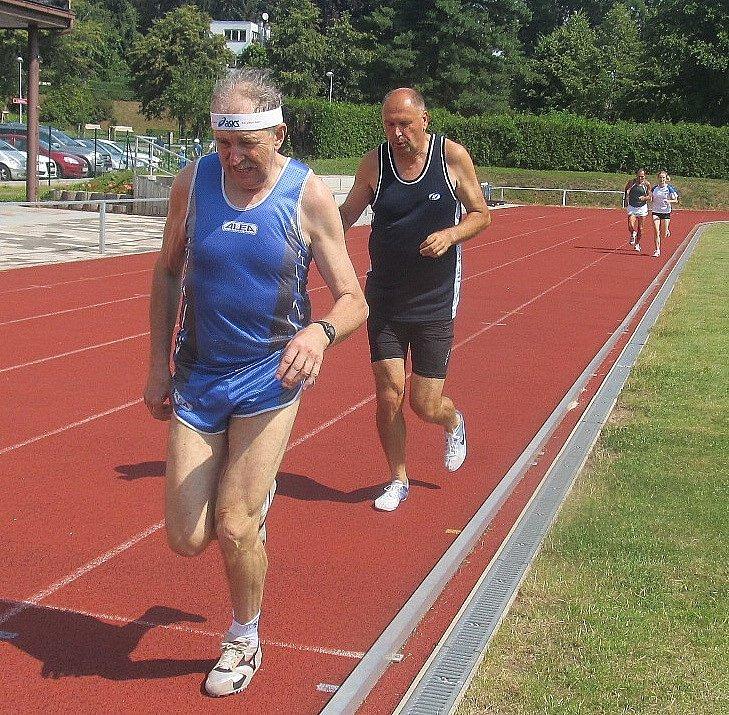 Trutnovský Binter vedl v běhu na 1500 metrů od začátku závodu až do jeho konce.