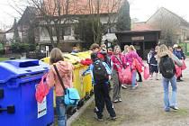 Sobotečtí školáci uklízeli přírodu.