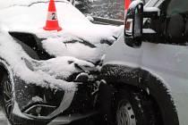 Dopravní nehoda komplikovala průjezd Novou Pakou