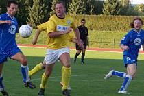 Z okresního derby I. B třídy SK Jičín B - Sokol Stará Paka na Městském stadionu.
